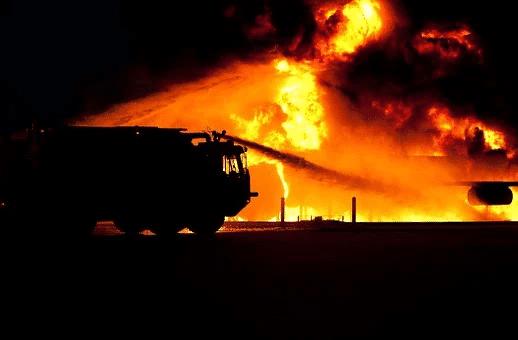 Incendie en entreprise : 5 actions à mettre en place pour l'éviter