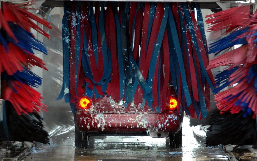 Démarrer une station de lavage : Conseils pour l'achat d'équipements automatiques et en libre-service
